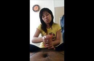 یک ورزش سیگار کشیدن سیگار نشسته بر روی آلت تناسلی مرد از یک سکس کم کیفیت دوست