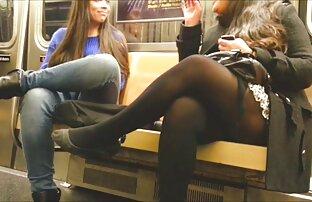 جاستین استمناء در جوراب ساق بلند و بند جوراب دیدن کلیپ سکسی کم حجم