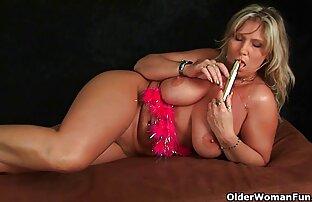 بلاندی گسترش پاهای او دانلود فیلم های سکسی کم حجم را نشان داد و سوراخ