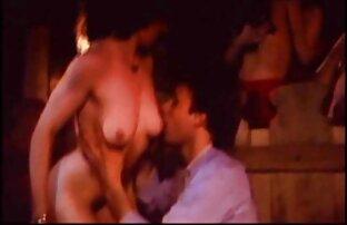 سینه کلان, لزبین کندال کانال سکسی کم حجم کارسون و خانم مارتینز توسط استخر